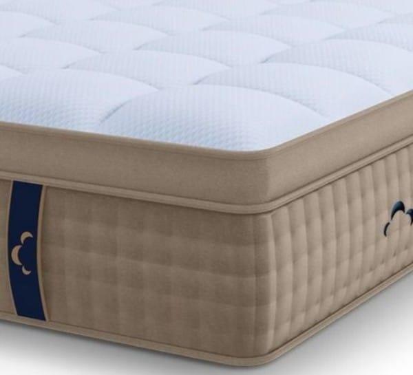 DreamCloud hybrid mattress corner view
