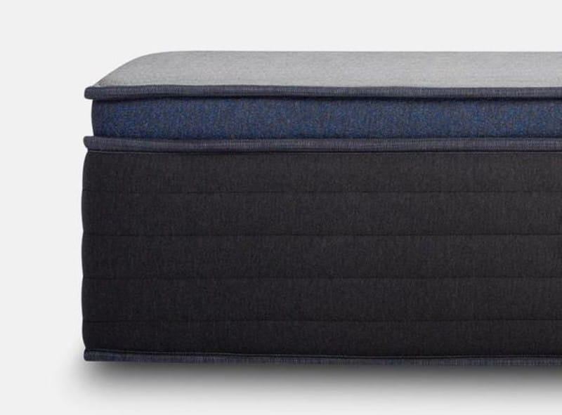 Helix Midnight Luxe mattress for side sleepers 2021 side view